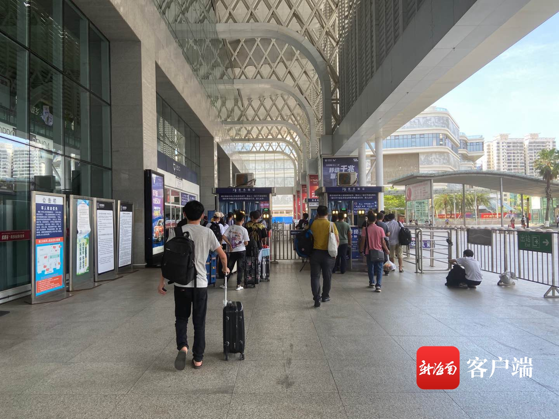 万博亚洲入口铁路旅客列车逐步恢复开行